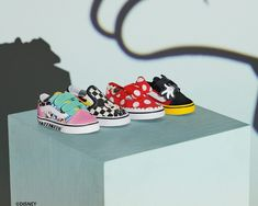 Vans x Mickey Mouse Anniversary Collection. Fashion Shoes, Kids Fashion, Walt Disney, Baby Kids, Mickey Mouse, Vans, Anniversary, Footwear, Sneakers