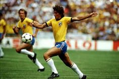 Zico the great. Pure Football, God Of Football, Fifa Football, Football Design, World Football, Good Soccer Players, Football Players, Brazil Team, Zico