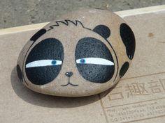 原创手绘石头 可爱熊猫 - painted rock / stone