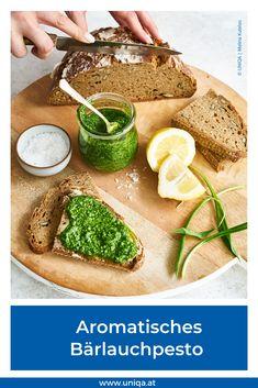 Es ist wieder Bärlauch-Saison! Das Frühlingskraut polarisiert, hat aber – neben seinem intensiven Geruch – auch viele gesundheitsfördernde Wirkungen. Welche das sind und wie du Bärlauch schnell zu einem aromatischen Gericht verarbeiten kannst, erfährst du hier. Chutney, Avocado Toast, Pesto, Dips, Dinner, Breakfast, Easy, Food, Gluten Free Cooking