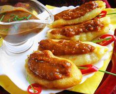 Baka Bana (gebakken bakbanaan in deegbeslag) Tapas, Suriname Food, Caribbean Recipes, Caribbean Food, Exotic Food, Indonesian Food, Creative Food, Soul Food, Asian Recipes