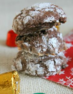 Rolo Crinkle Cookies are easily made and baked till perfectly chewy!   Hey everyone! It's Nancy from The Bitter Side of Sweet back here bringing you cookies today! Last time I was here I shared with you these Chocolate Cherry Tarts! They are still my all time favorite tart! A lot has changed since I …
