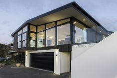 This new home on Mt Pleasant has been designed to replace a severely earthquake damaged existing mid century modernist classic. Earthquake Damage, New Homes, Mid Century, Urban, Mansions, Architecture, House Styles, Classic, Design