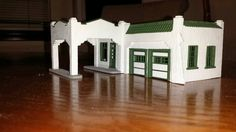 Sinclair gas station HO scale - Roof tiles complete Ho Scale Trains, Roof Tiles, Gas Station, Model Trains, Scenery, Garage, Building, Carport Garage, Landscape