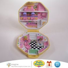 Vintage Polly Pocket Hair Salon Hairdressing Compact © 1990 Bluebird Toys COMPLETE Set w/ Figures