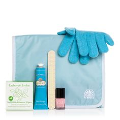 Fancy a nail salon on the go?   Then look no further than our La Source Manicure Gift Set, which has everything you need for gorgeously glossy nails and perfectly pampered hands -- all conveniently tucked away inside a sea-blue travel case.