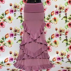 Modelo de falda de flamenco Dulcinea | Etsy Costume Flamenco, Flamenco Skirt, Boho Fashion, Fashion Dresses, Fashion Looks, Red Bridesmaid Dresses, Wedding Dresses, Spanish Dress, Western Wear For Women