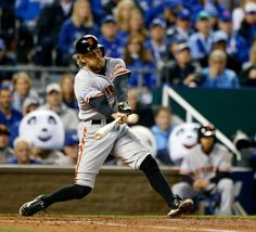 San Francisco Giants' Hunter Pence (8) singles in the fourth inning of Game 7 of baseball's World Series at Kauffman Stadium in Kansas City, Mo., on Wednesday, Oct. 29, 2014. (Josie Lepe/Bay Area News Group)