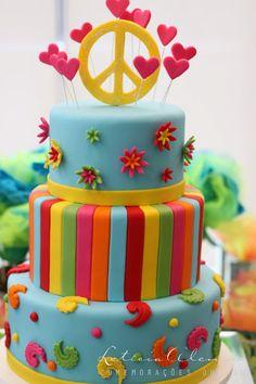 Resultado de imagen para fiesta tematica hippie ideas Beatles Birthday Party, Hippie Birthday Party, Hippie Party, 40th Birthday Parties, Themed Parties, Bolo Hippie, Hippie Cake, Flower Power Party, Vintage Birthday Cakes