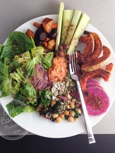 Spiced roasted butternut and beet salad bowl (vegan, paleo, gluten-free).