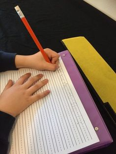 A case study and step-by-step strategies for remediation of an inefficient pencil grasp based on the experience of a handwriting development specialist. Handwriting Activities, Improve Your Handwriting, Improve Handwriting, Cursive Handwriting, Pre Writing, Kids Writing, Teaching Writing, Writing Skills, Hand Writing