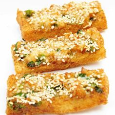 Oh my, do you remember when Leeann Chin's used to have Shrimp Toast? Here is a recipe that gets pretty close t. Seafood Appetizers, Appetizer Dips, A Food, Good Food, Yummy Food, Asian Shrimp, Shrimp Toast, Asian Recipes, Ethnic Recipes