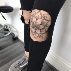 Mandala knee tattoo - Mandala knee tattoo, Informations About Mandala-Knie-Tätowierung Pin You can easil - Dope Tattoos, Elbow Tattoos, Trendy Tattoos, Body Art Tattoos, Small Tattoos, Tattoo On Leg, Leg Sleeve Tattoos, Mandala Hand Tattoos, Mandala Tattoo Sleeve