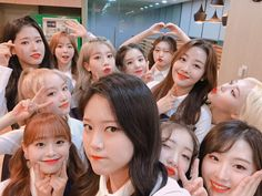 / loonatheworld: 💕 Hello, it's Choerry🦇! It's rainy and cold day, so please be safe when you come here! I'm very pleased that I will meet you, Orbit Kpop Girl Groups, Korean Girl Groups, Kpop Girls, K Pop, I Love You All, My Love, Hello It, Olivia Hye, Celebs