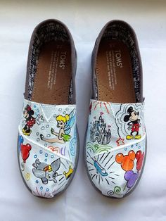 good to know / TOMS shoes outlet! More than half off! / My kids love Toms. but theyre way too much for my budget. Cheap Toms Shoes, Toms Shoes Outlet, Toms Boots, Ankle Boots, Disney Toms, Disney Outfits, Disney Cruise, Walt Disney, Cute Shoes