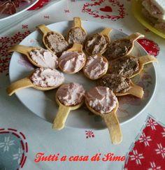 Antipasto paté di noci e funghi per stuzzicare l'appetito degli amici e parenti! Pronto in 10 minuti più 30 di raffreddamento.