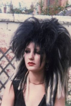 """All the fashions and looks that inspire me. Call it a kind of """"Style File"""". *Gothic*New Romantic*Biba* 80s Goth, 80s Punk, Punk Goth, Vintage Goth, Victorian Goth, Goth Hair, Grunge Hair, Chica Punk, Goth Look"""