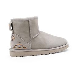 Brand NEW UGGs Brand new uggs size 6,7,8,10 EVERYTHING NEW NEVER WORN COMMENT SIZE NEEDED WITH ORIGINAL BOX & EVERYTHING coast $195 selling for $130 SHIPS SAME DAY! THIS ARE GOING BY FAST NO LONGER HAVE SIZE 5 or 9 Christmas is right around the corner get it while supplies last UGG Shoes Ankle Boots & Booties