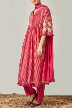 Buy Printed Kurta Set by Myoho at Aza Fashions Indian Fashion Dresses, Indian Fashion Trends, Pakistani Dresses, Indian Outfits, Pakistani Bridal, Fashion Outfits, Kurta Designs Women, Blouse Designs, Indian Attire