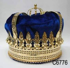 Imperial State Mens King Rhinestone Gold and Blue Crown If you are looking for elegance, majesty, versatility and charm, this is the crown to order. Adaptable to many ocassions, the crown is made with Royal Crowns, Crown Royal, Royal Jewels, Tiaras And Crowns, Crown Jewels, Princess Tiara, Real Princess, Royal Blue And Gold, Kings Crown