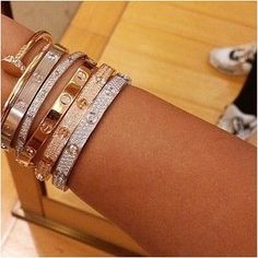 "Fashion Tips Videos Cartier ""Love"" Bracelets.Fashion Tips Videos Cartier ""Love"" Bracelets Cartier Armband, Bracelet Cartier, Cartier Jewelry, Diamond Bracelets, Love Bracelets, Cartier Love Ring, Cartier Rings, Bangle Bracelets, Hermes Bracelet"