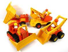 Lot (4) Vintage 1975-77 Fisher Price Husky Construction Toys 302 301 311 300