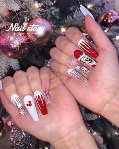 Christmas Nail Art,Nail Art,Nail Designs Matte Nails Glitter, Acrylic Nails, Holiday Nail Art, Christmas Nail Art, Long Gel Nails, Pointed Nails, Ballerina Nails, Nail Tech, Nail Inspo
