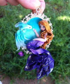 Sirenetta Bionda con Pesce di FinfisCrafts su Etsy