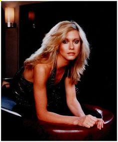 Blonde Beauty Icon Olivia Newton-John A Fantasy! A musical! Olivia Newton-John in Xanadu is quite lit. Most Beautiful Women, Beautiful People, Amazing Women, Eartha Kitt, John Travolta, Julie Andrews, Barbra Streisand, Famous Women, Famous People