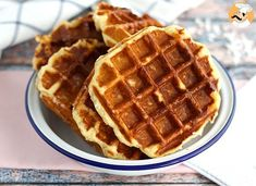 Go to Brussels to have the best waffles ever! - Recipe : Liege waffles by PetitChef_Official Waffles, Waffle Bar, Good Food, Yummy Food, Nutella, Sweet Treats, Brunch, Food And Drink, Sweets