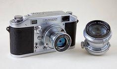 Antique Cameras, Old Cameras, Vintage Cameras, Vintage Photos, Classic Camera, Retro Camera, Black And White Colour, Film Camera, Fujifilm Instax Mini