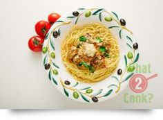 Chicken Meatball Spaghetti, basil tomato sauce: Spaghetti meatballs with an tasty twist. It's become one of our most popular recipes. Thyme Recipes, Mince Recipes, Meatball Recipes, Healthy Recipes, Savoury Recipes, Chicken Meatballs, Spaghetti And Meatballs, Easy Chicken Recipes, Easy Dinner Recipes