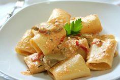 Paccheri con carciofi, pomodorini e ricotta Ricotta, Rigatoni, Penne, Zucchini, Gnocchi, Italian Recipes, Italian Foods, Potato Salad, Food And Drink