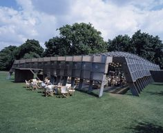 Le pavillon de la Serpentine Gallery par Álvaro Siza et Eduardo Souto de Moura (2005)