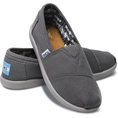 TOMS Ash Canvas Youth Classics (120 BRL) ❤ liked on Polyvore featuring shoes and baby