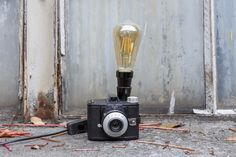 #upcycling #lampe #retro #vintage #industrielampe #fotoapparat #lampen #recycling