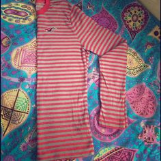 Hollister Men Hollister long sleeve shirt! 100% authentic. Made in Cambodia. Used once. Size L Hollister Shirts Tees - Long Sleeve