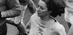 Kathrine Switzer, maratón de Boston de 1967. Vivo retrato de que hay prohibiciones en la vida que hay que pasarse por el mismísimo forro. In english: there're laws made to be broken.