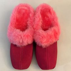 a641fa196f9 Items similar to Vintage Pink Furry Fluffy Boudoir Slippers 60s 70s Size 8B   SA on Etsy