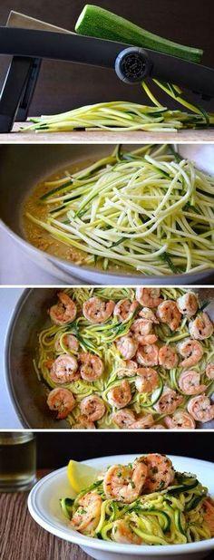 Carb Diet - Gambas al ajillo flaco con calabacín Fideos Seafood Recipes, Paleo Recipes, Cooking Recipes, Healthy Cooking, Healthy Snacks, Healthy Eating, Veggie Noodles, Zucchini Noodles, Zucchini Spaghetti