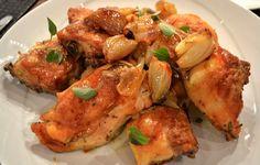 Il pollo alla birra è una deliziosa ricetta belga che si prepara con un pollo dalle carni tenere e cipolla, paprika e un paio di bicchieri di birra c...