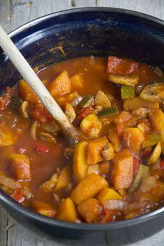 Vegetarian stew with Pumpkin - Brenda Kookt Vegetarian Recepies, One Pot Vegetarian, Veggie Recipes, Real Food Recipes, Healthy Recipes, Vegan Diner, Healthy Cooking, Healthy Eating, Dairy Free Diet