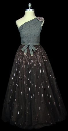 Cocktail Dress 1956, Made of wool and tulle