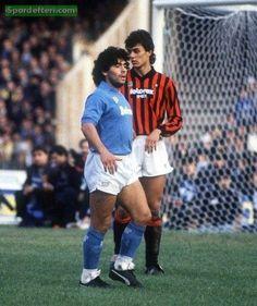Diego Maradona v Paolo Maldini - Napoli v AC Milan special-football-players-teams-moments Football Drills, Football Icon, Best Football Players, Football Is Life, Retro Football, World Football, Soccer World, Vintage Football, Sport Football