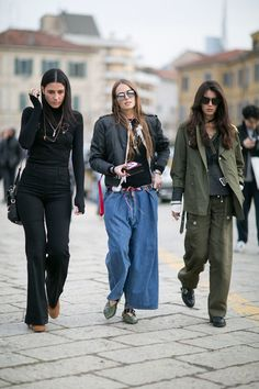 Pin for Later: The Best Street Style Looks From Milan Fashion Week Day 1 Fashion Milan, Milan Fashion Week Street Style, Look Street Style, Autumn Street Style, Cool Street Fashion, Autumn Fashion, Outfit Jeans, Mode Inspiration, Fashion Photo