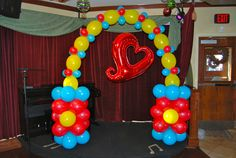 Very Cool LINK-O-LOON® Arch with Holographic Chain of Hearts foil