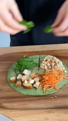 Die leckeren Tortilla Wraps schmecken immer! Ich zeige Euch zwei leckere Varianten - herzhaft mit Spinat und eine süsse Wrap Variante. Die Tortilla Wraps unbedingt einmal ausprobieren. Mrs Flury Tortilla Wrap Hack #tortilla #wrap #sandwich #mrsflury #tiktoktrend Tortilla Wraps, Good Food, Yummy Food, Cooking Recipes, Healthy Recipes, Lunch To Go, Creative Food, Going Vegan, Crepes