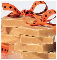Hulett's Recipe for Economical Fudge they not too sweet, they have a good mouth feel and the colouring that is just right. Toffee Fudge Recipe, Fudge Recipes, Candy Recipes, Sweet Recipes, Fantastic Fudge Recipe, Delicious Fudge Recipe, Baking Business, Home Baking, Kitchen Recipes