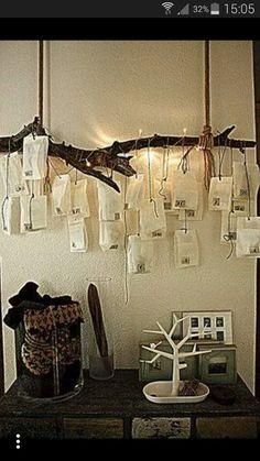 Adventsdeko mit birkenkerzenst nder holztablett for Silberschale dekorieren