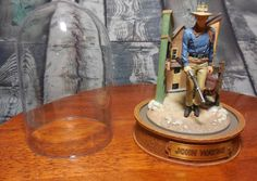 Limited Edition Franklin Mint John Wayne Hand Painted Sculpture in Glass Dome